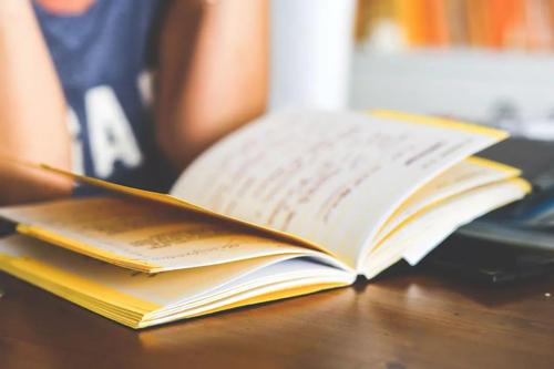 美国高中和大学英文写作六大差异
