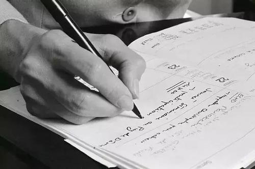 英国留学论文写作高分技巧