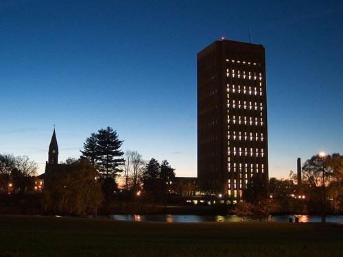 马萨诸塞大学阿默斯特分校校园一角